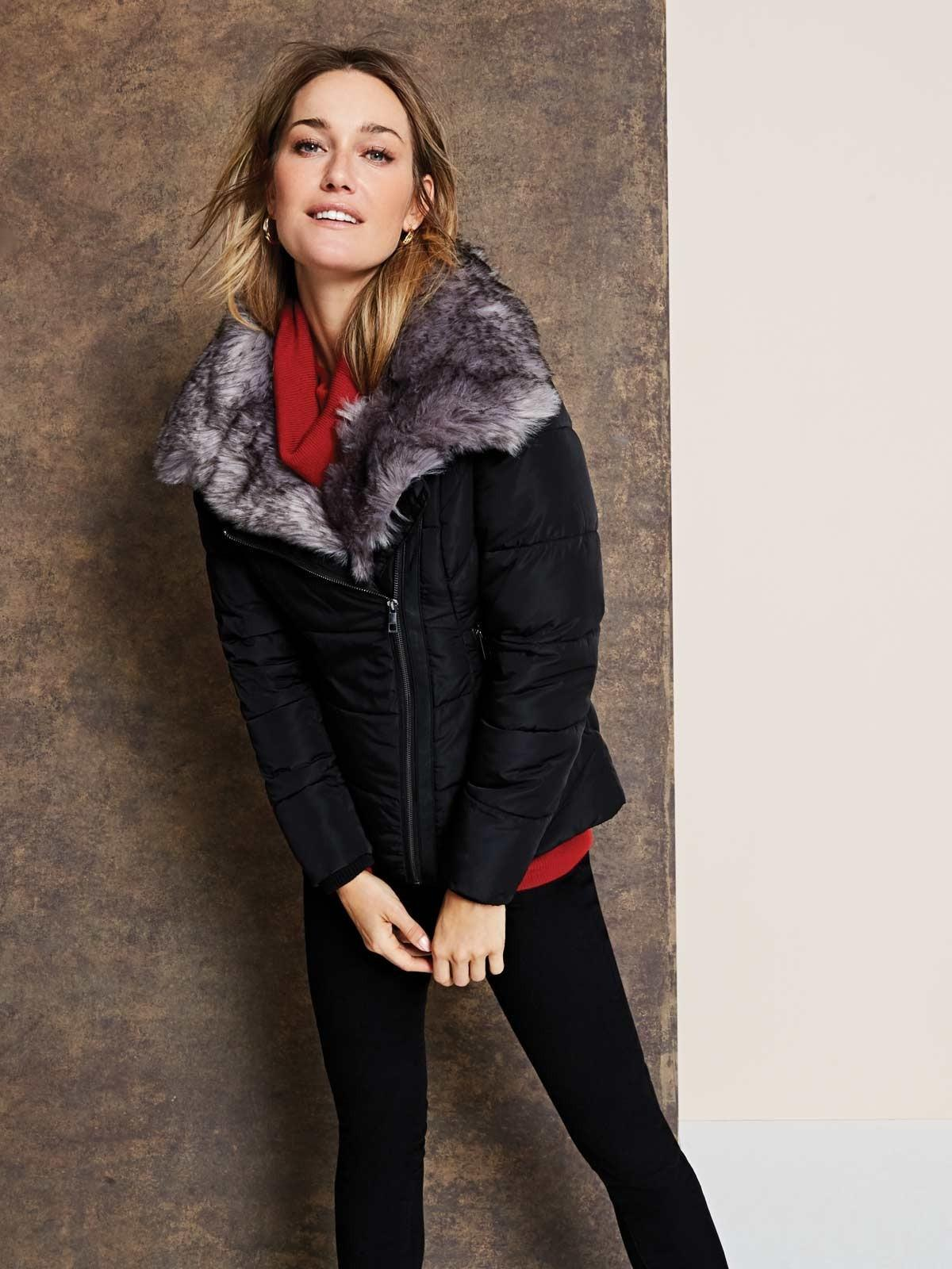 A cropped cut and glamorous fur collar equals a stylish winter coat for day and night.