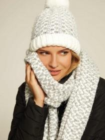 Womens White Waffle Knit Scarf
